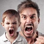 Mau comportamento dos filhos pode ser reflexo de atitudes dos pais