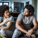 A diferença entre discutir e agredir verbalmente
